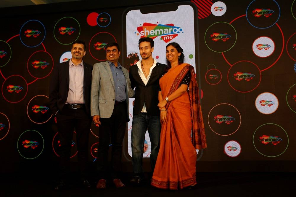 L:R Zubin Dubash, Hiren Gada, Tiger Shroff, Kranti Gada