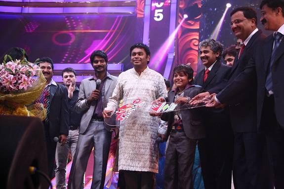 Vijay Prakash (Singer) Age, Height, Weight, Wife, Net ...