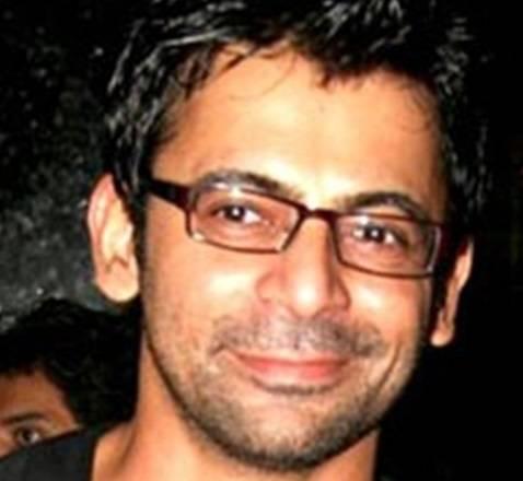 Sunil Grover aka Gutthi to star in Zee Rishtey Awards 2013!